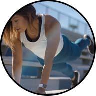 girl doing push-up leg lifts